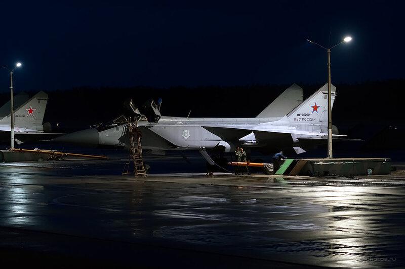 Микоян-Гуревич МиГ-31 (RF-95200 / 58 красный) D806882e