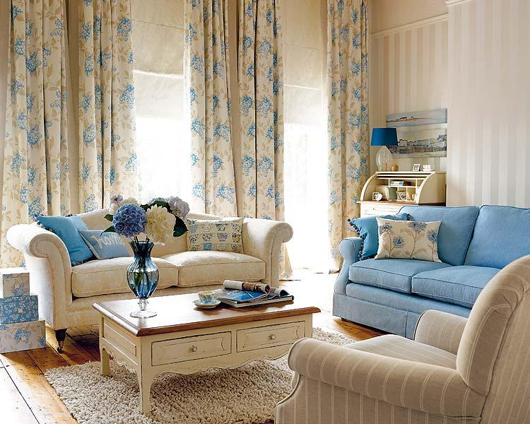 Голубые диваны в интерьере