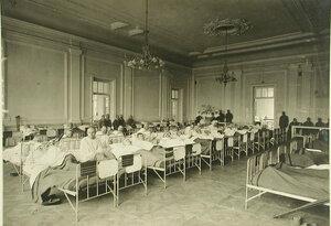 Общий вид одной из палат собственного Ее императорского величества Государыни императрицы Марии Федоровны  госпиталя № 2 ( Кауфманский ,6)