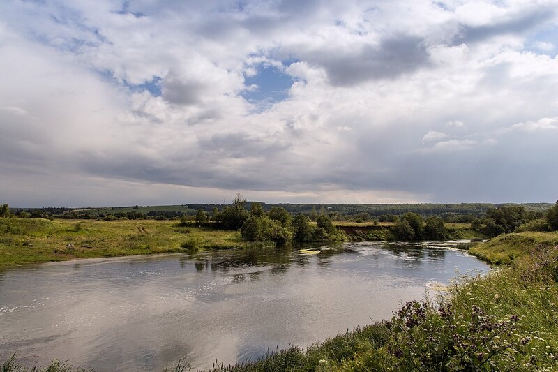 Долина реки Воя в районе бывшей ГЭС в с. Перевоз