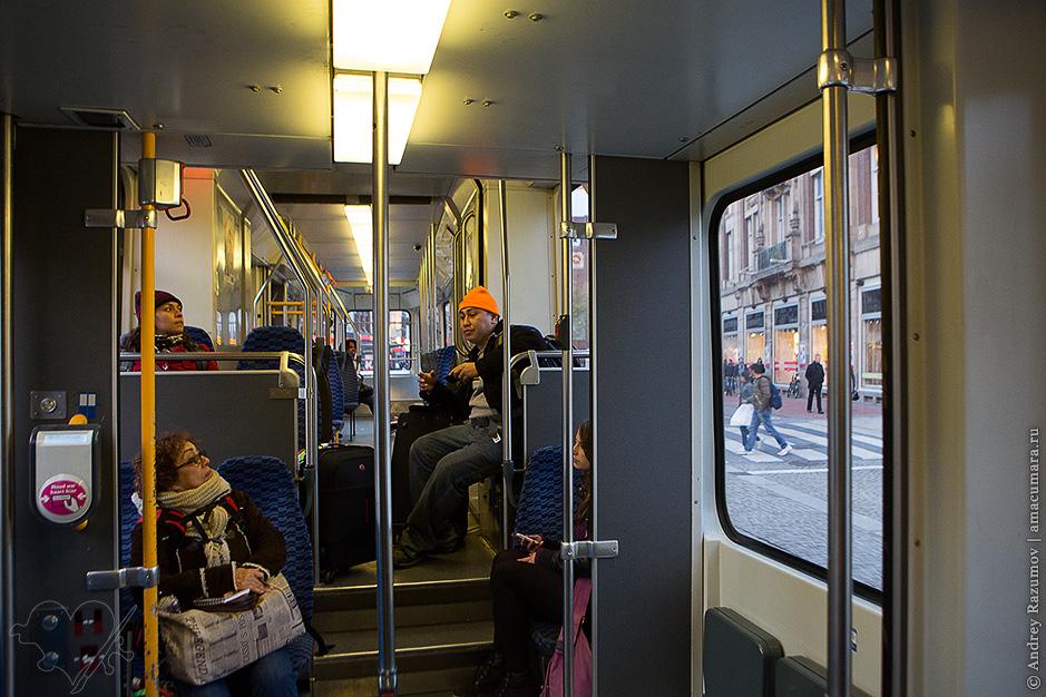 Трамвай в Амстердаме