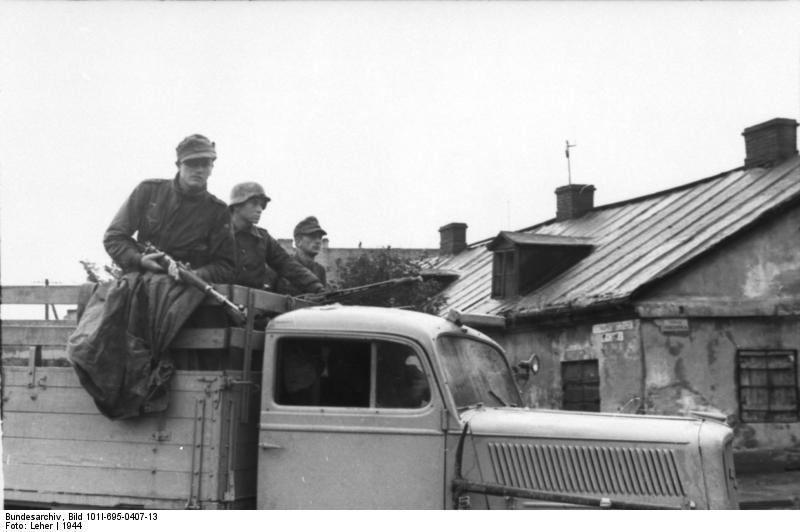 Warschauer Aufstand, Soldaten auf LKW mit MG