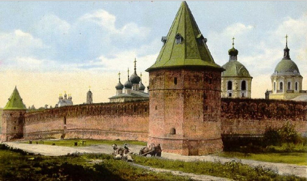 Прясло у Троицкой и Монастырской башен