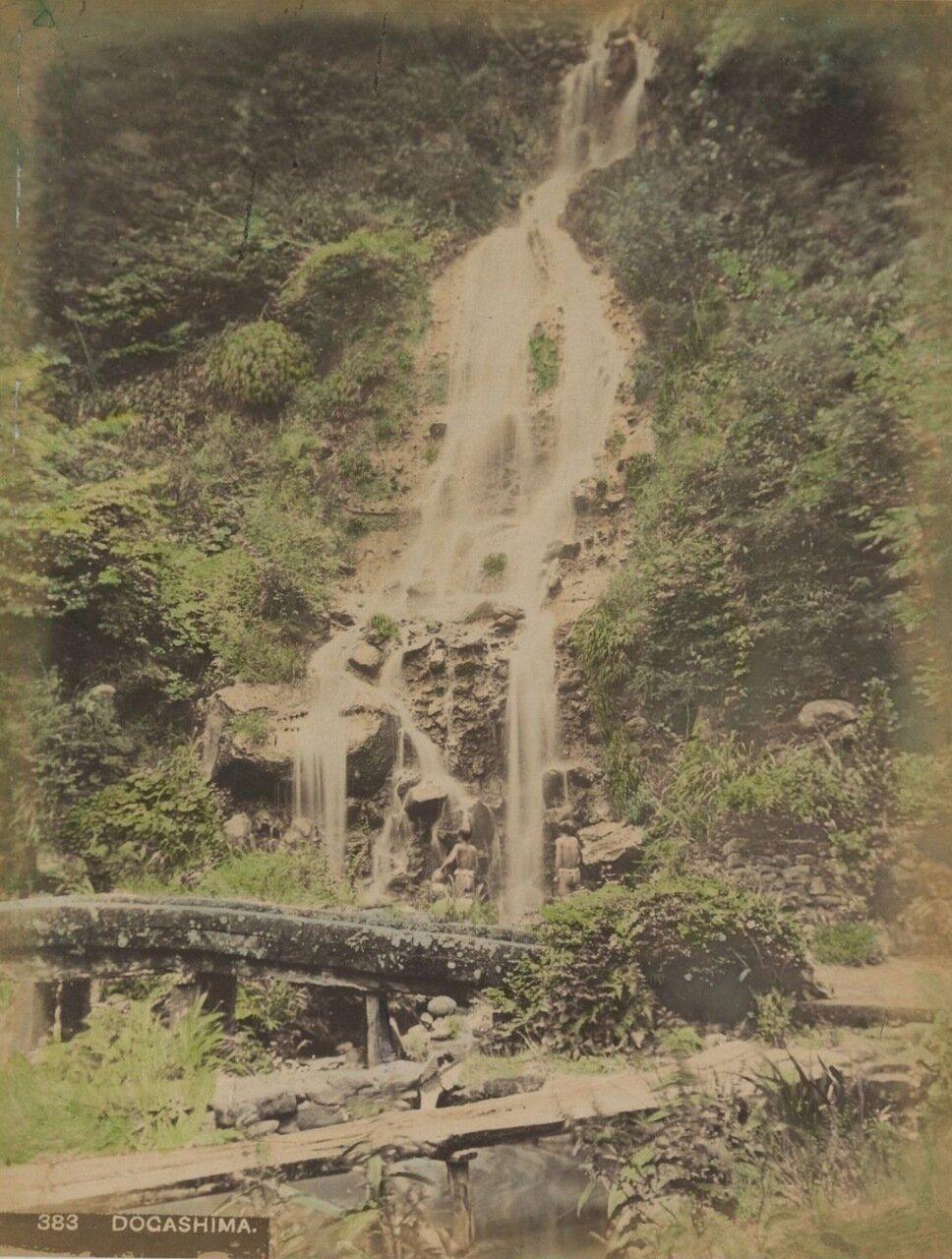 Водопад Догашима