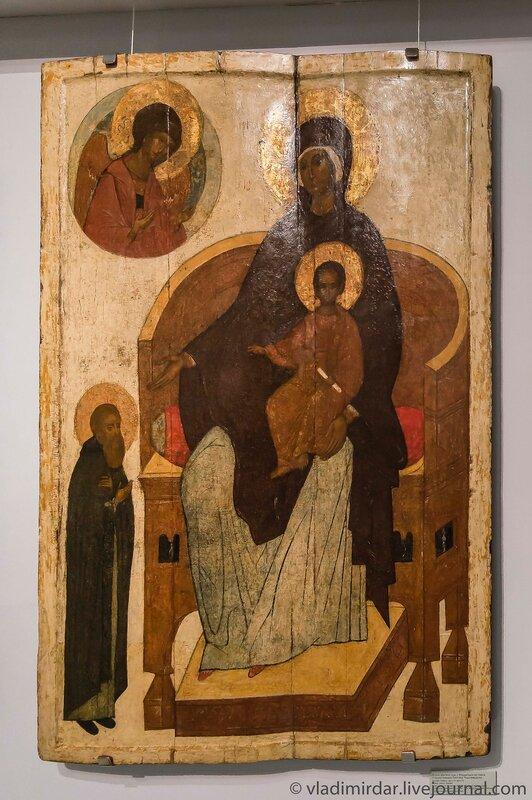 Икона «Богоматерь с младенцем на троне с предстоящим Сергием Радонежским».