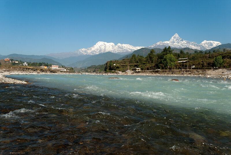 У реки Seti Gandaki
