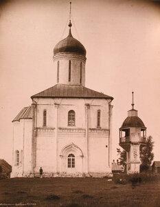 Вид северного фасада собора Успения Богородицы на Городке (построен в 1410-1420 гг.) Московская губерния