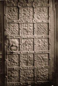 Вид детали двери Успенского собора. Астрахань г.
