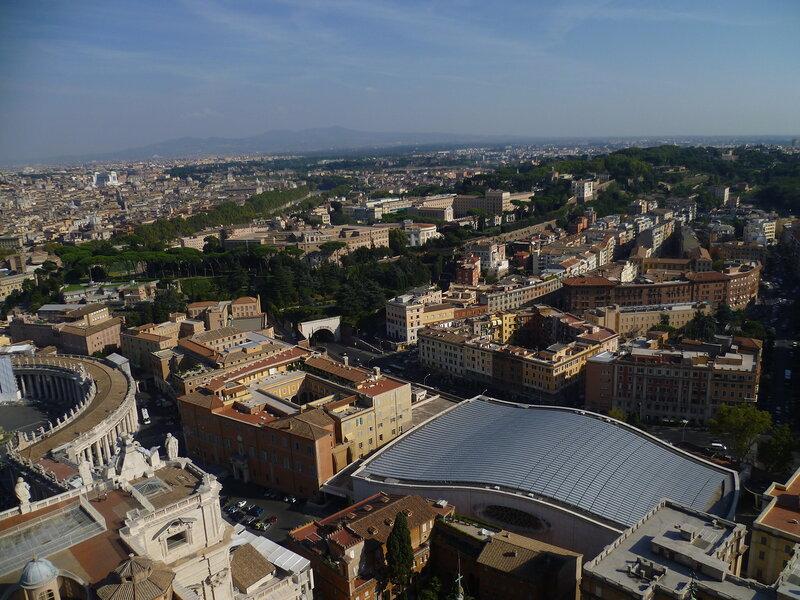 Ватикан. Рим. Вид с купола Собора Святого Петра (The Vatican. Rome. View from the dome of St. Peter's Basilica)