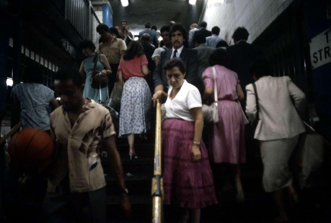 Американский фотограф Christopher Morris: Граффити и андеграунд нью-йоркского метро (14)