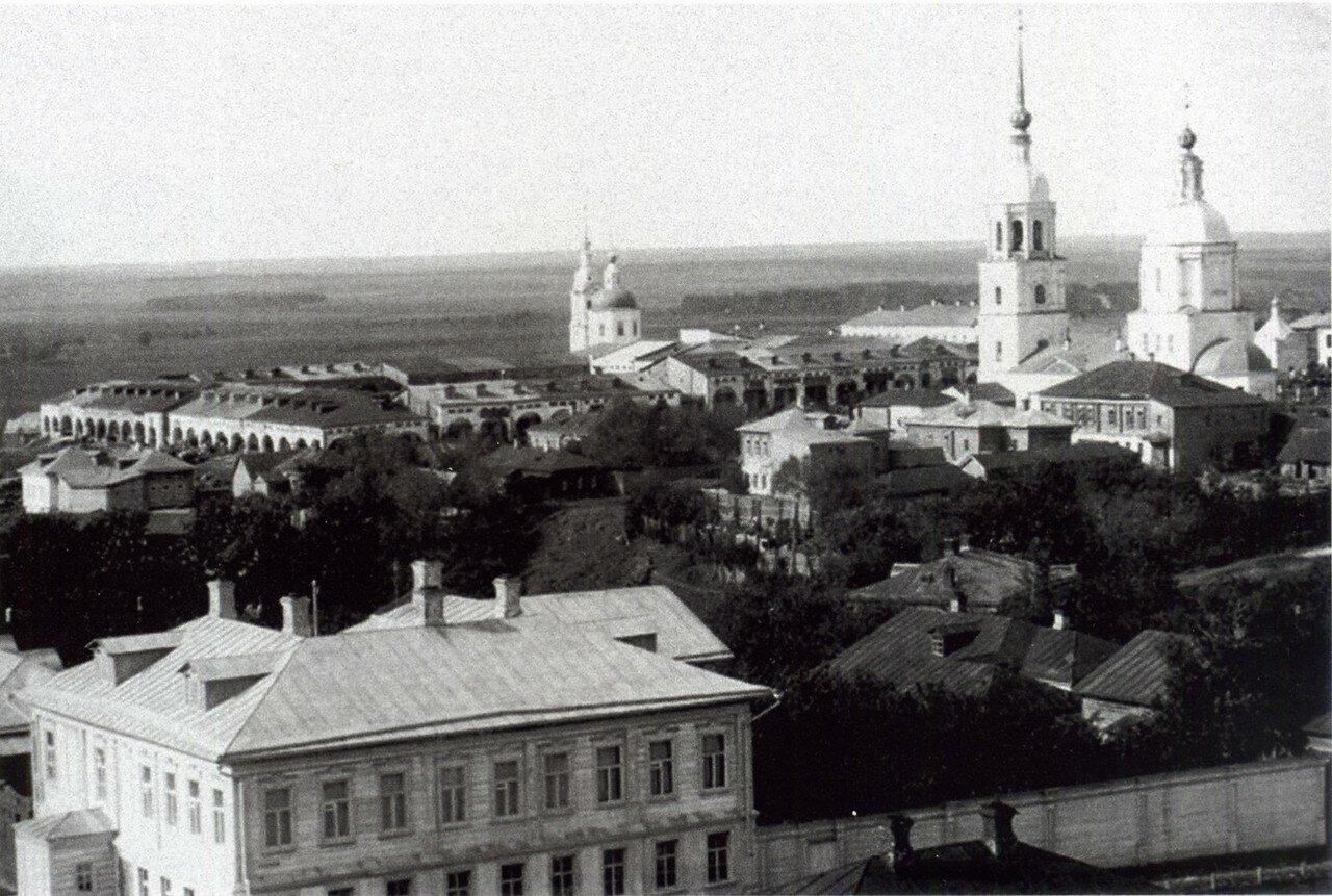 Вид от Благовещенской стороны на Троицкую и Вознесенскую церкви