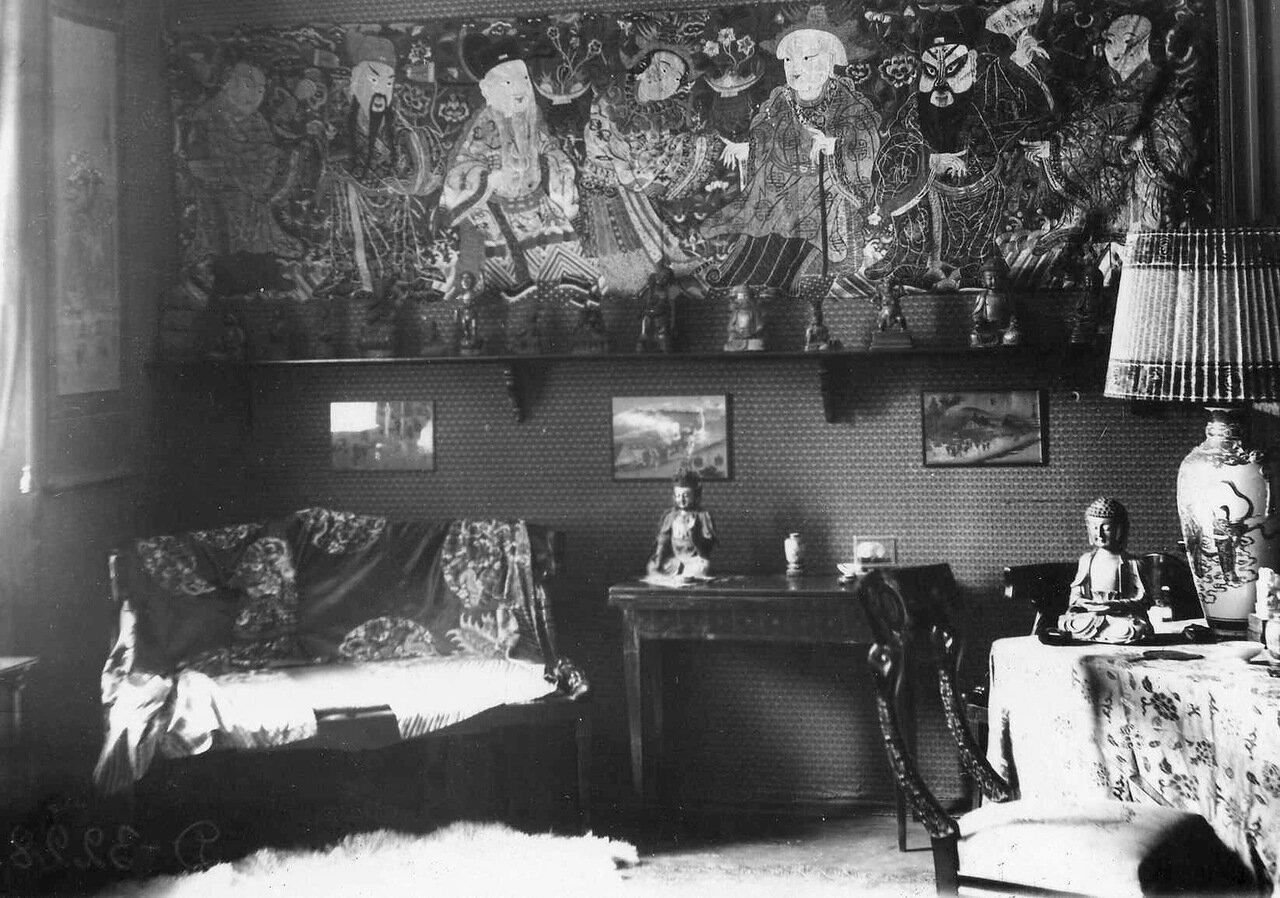 05. Китайская гостиная в квартире испанского посланника Сергиевская ул., 75.  1916