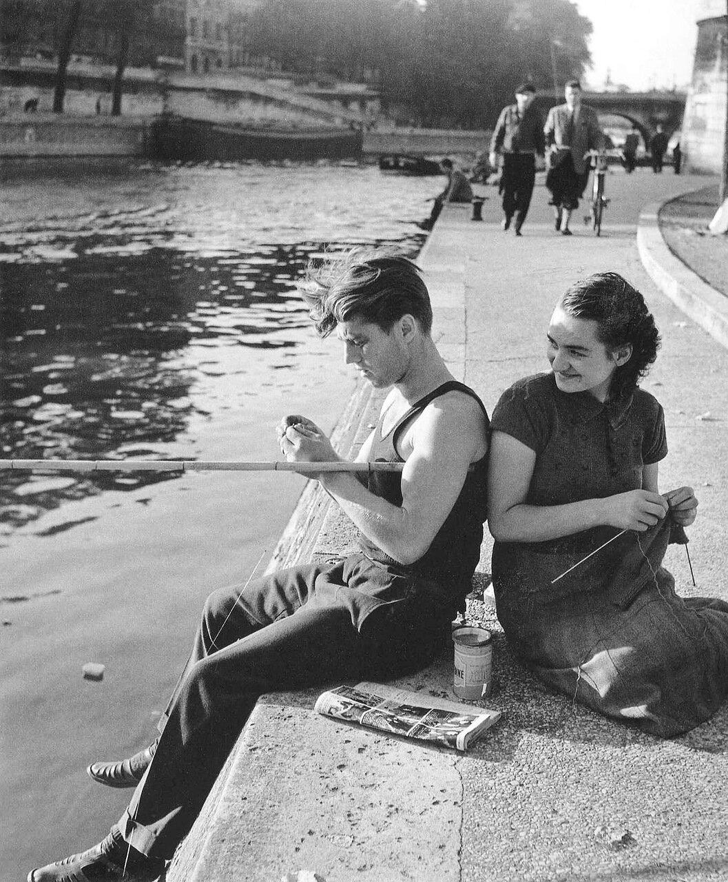 1951. На берегу