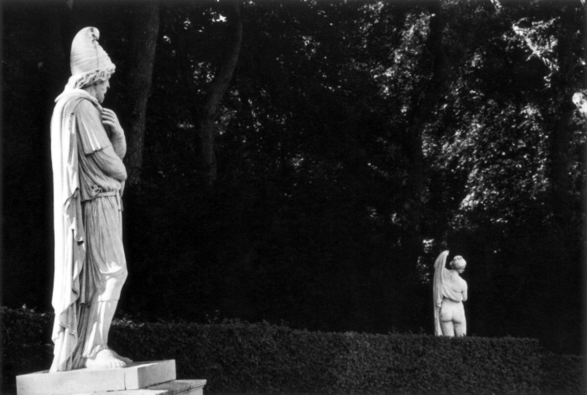 1966. Пленный варвар и прекраснозадая Венера. Версаль