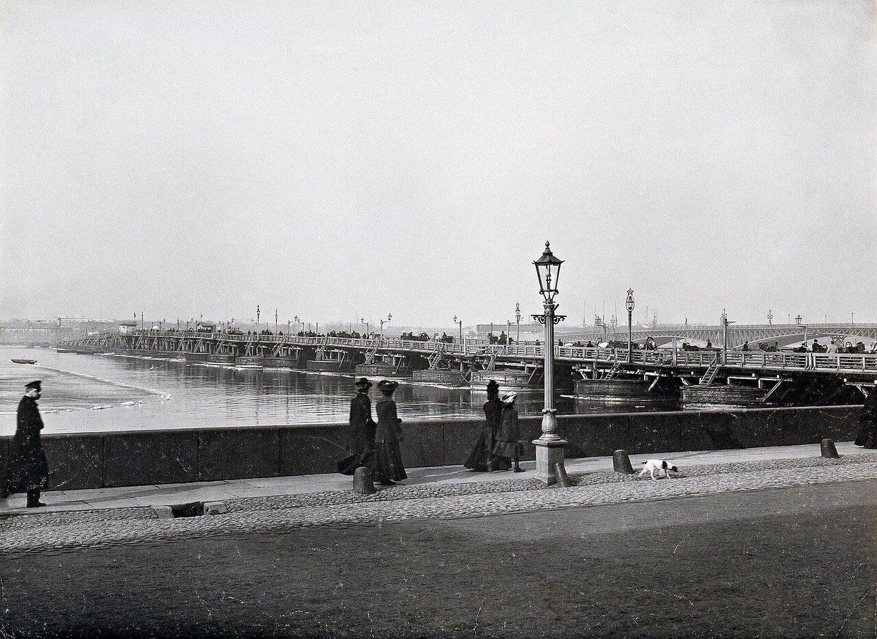 Набережная Невы у строящегося Троицкого моста