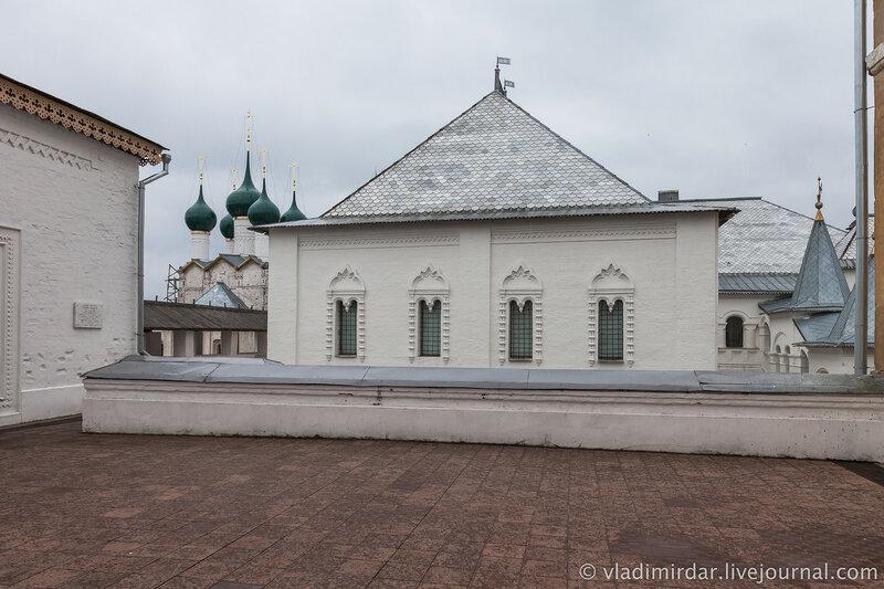 Красные палаты (вид с храмовой площадки). Ростовский кремль.