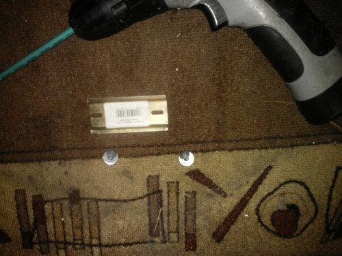 Вызов электрика аварийной службы в коммунальную квартиру из-за поломки пакетного выключателя