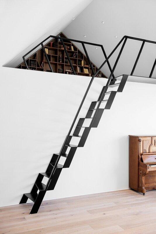 Лестница для дома на второй этаж дизайн фото 16