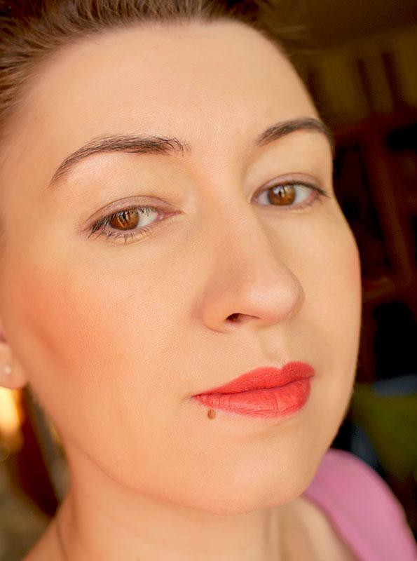 MAC-cremesheen-lipstick-crosswires-кремовая-помада-отзыв-свотч-rewiew-swatch8.jpg