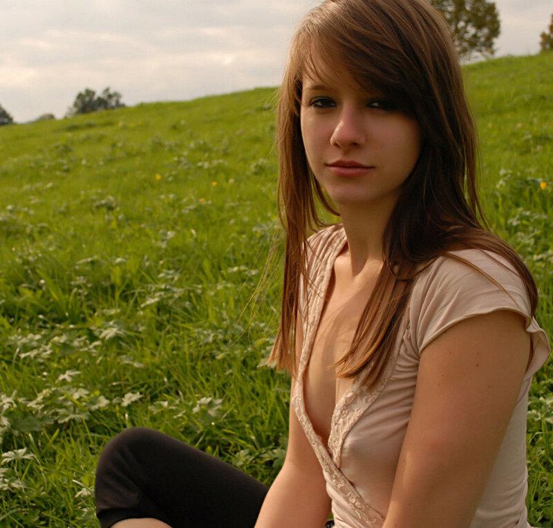 indian-youngest-teen-outdoor