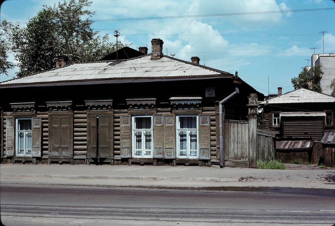 Иркутск. Типичный старый деревянный дом (улица Тимирязева)