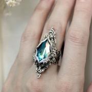 Перстень на пальце