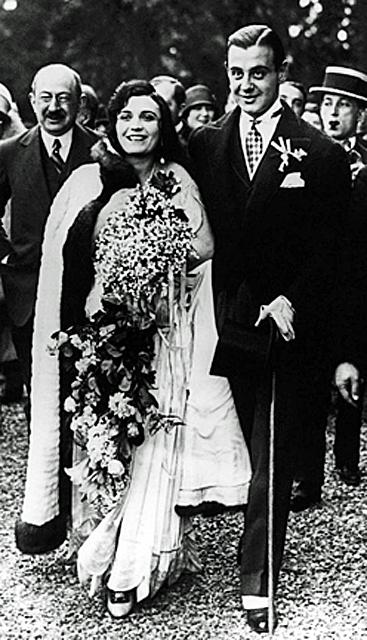 Пола Негри и князь Сергей Мдивани в день свадьбы 14 мая 1927