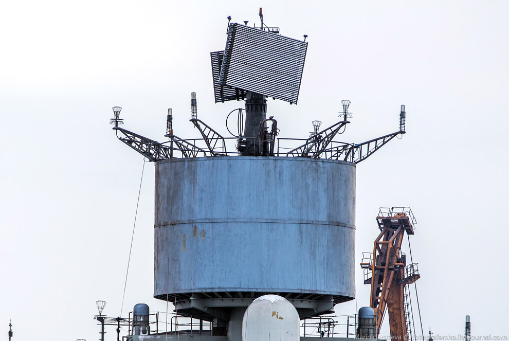 Авианосец «Адмирал Кузнецов» может нести на полетной палубе и в подпалубном