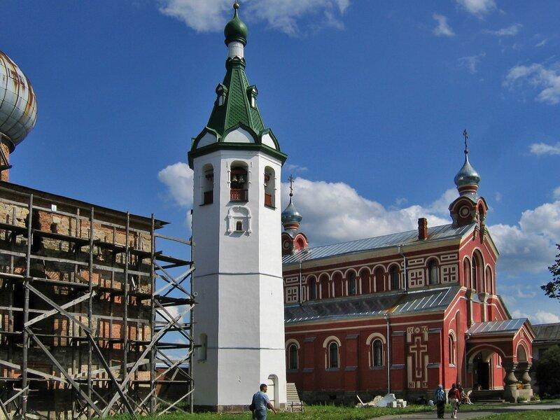 Никольский собор, колокольня и церковь Иоанна Златоуста, Старая Ладога, Никольский монастырь