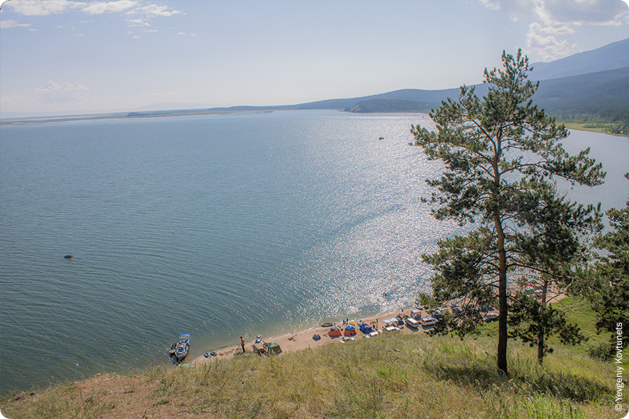Вид на Чивыркуйский залив и озеро Арангатуй, Монахово