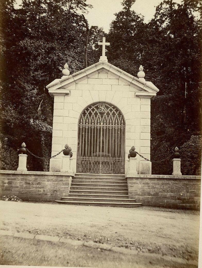 1880-е. Петит-Шапель