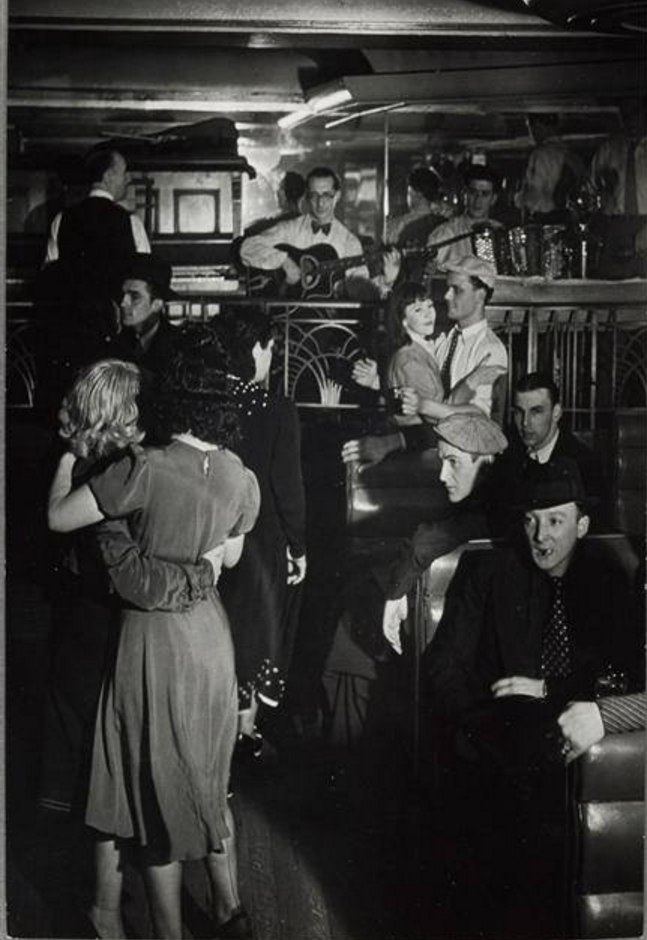 1935-1936. Танцпол «Boule Rouge»