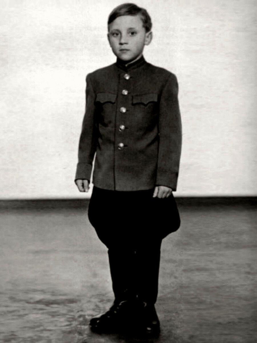 1947. Володя Высоцкий «военный» в г.Эберсвальде, Германия
