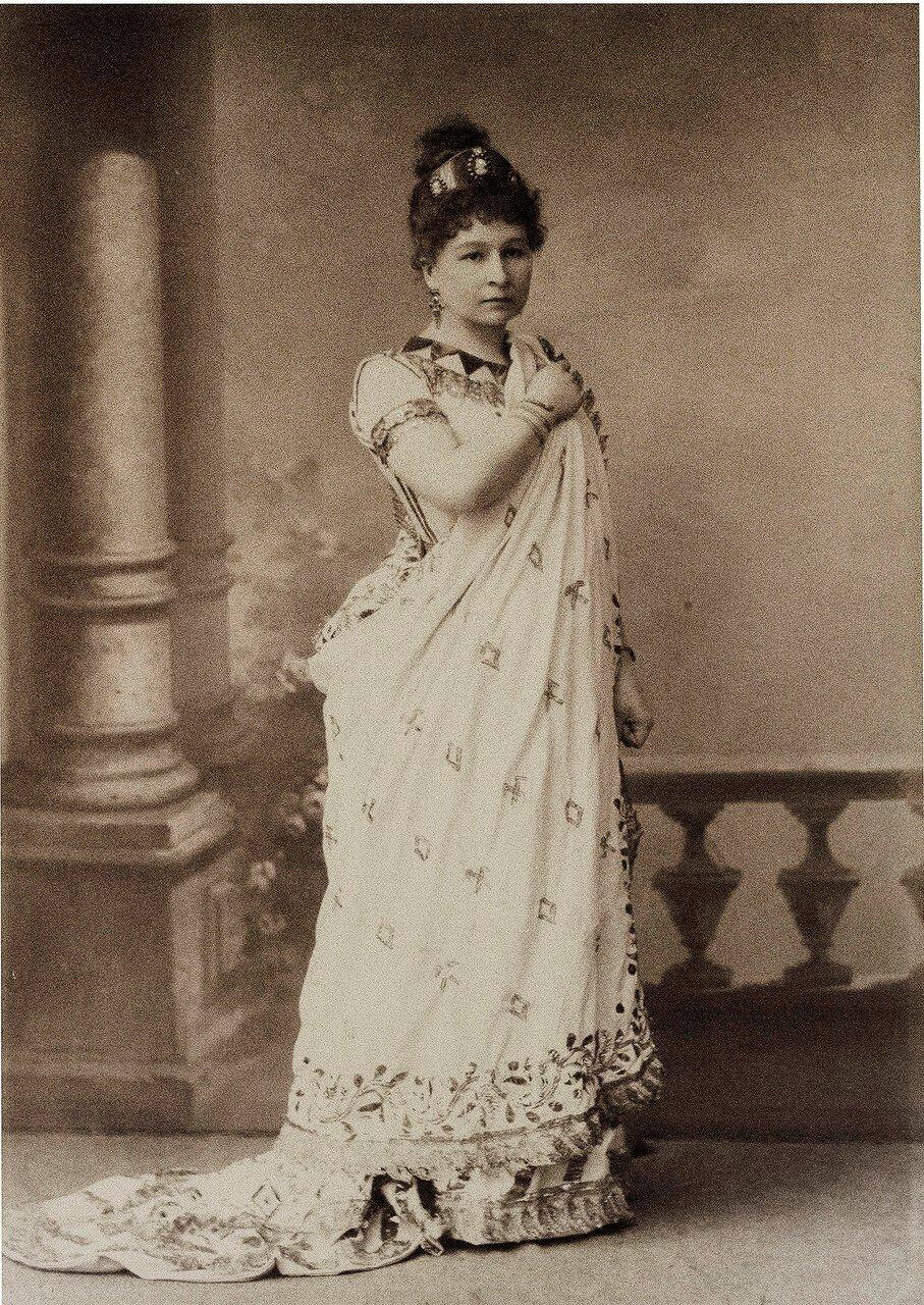 Ермолова Мария Николаевна. В 1871 году Ермолова закончила театральное училище и была принята в труппу Малого театра.