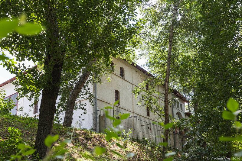 Подворье Афонского Пантелеймонова монастыря на Швивой горке