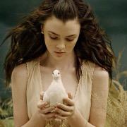 Девушка с голубем