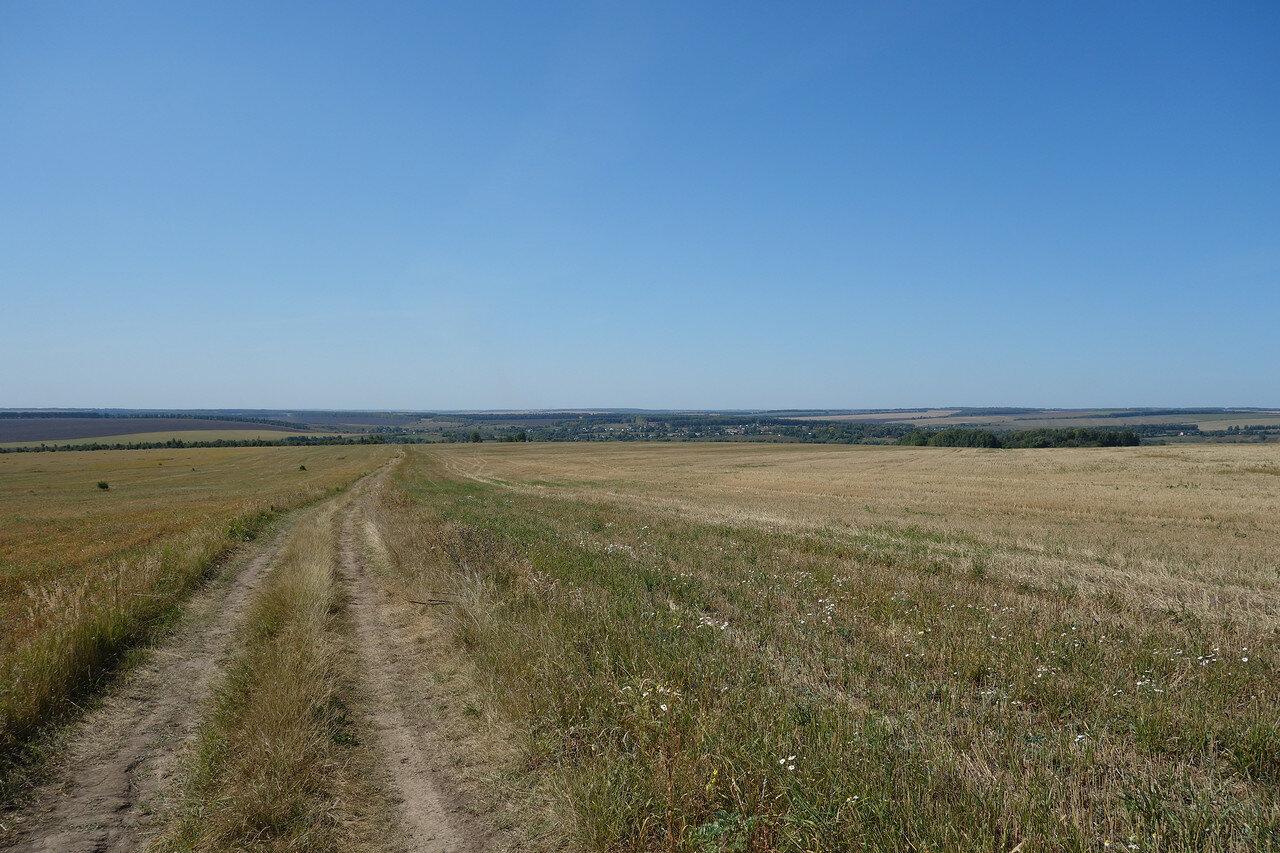 пологий спуск к реке Плава