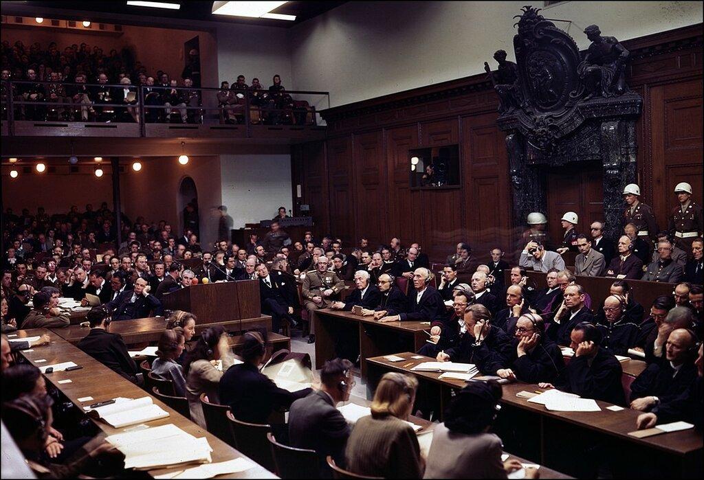 1945 Заседание Международного военного трибунала в Нюрнберге.jpg