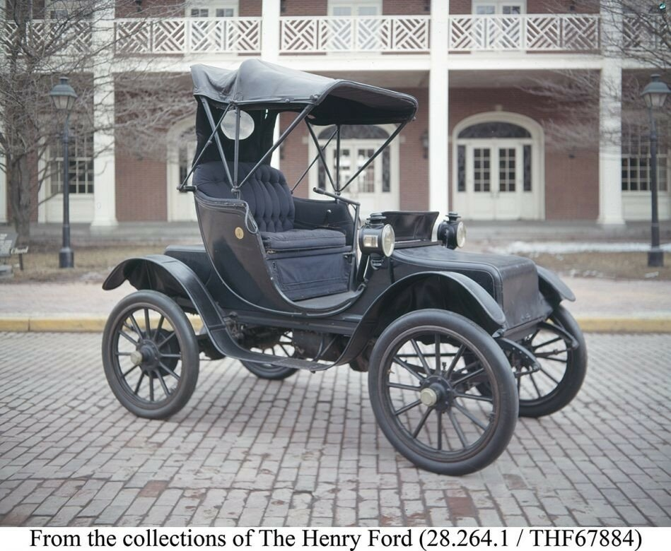 1912 model Baker Electric Special Victoria. This two-person automobile was used by Mrs. Taft and five other first ladies. It is now in the collection of the Henry Ford Museum, Dearborn, Michigan.jpg
