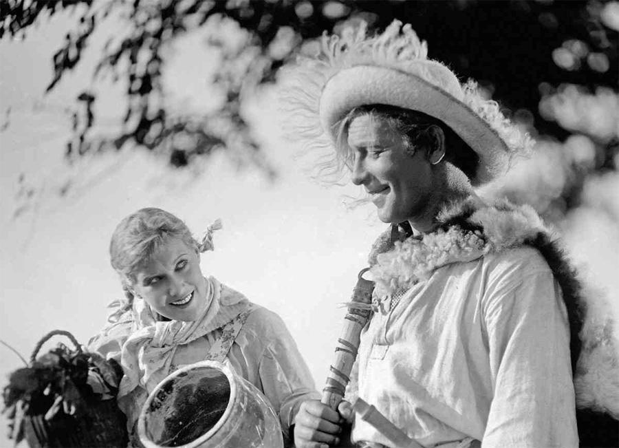 """Кто был автором идеи создания первой советской музыкальной комедии """"Весёлые ребята"""""""