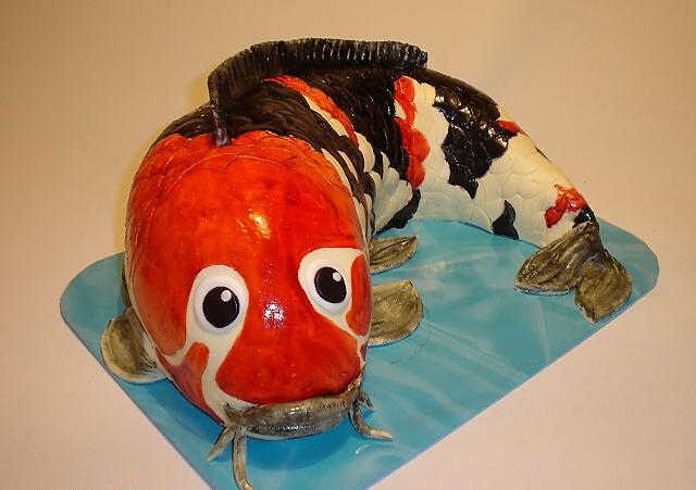 Рыбный торт из сахарной мастики