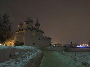 Борисоглебская церковь вечером - Новый год в Великом Новгороде