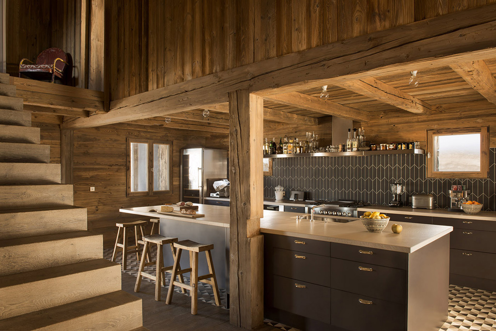 a-rustic-chic-home-in-the-french-alps-5.jpg