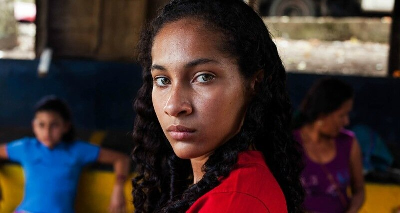 Михаэла Норок, «Атлас красоты»: 155 фотографий красивых женщин из 37 стран мира 0 1c6223 22414ee0 XL