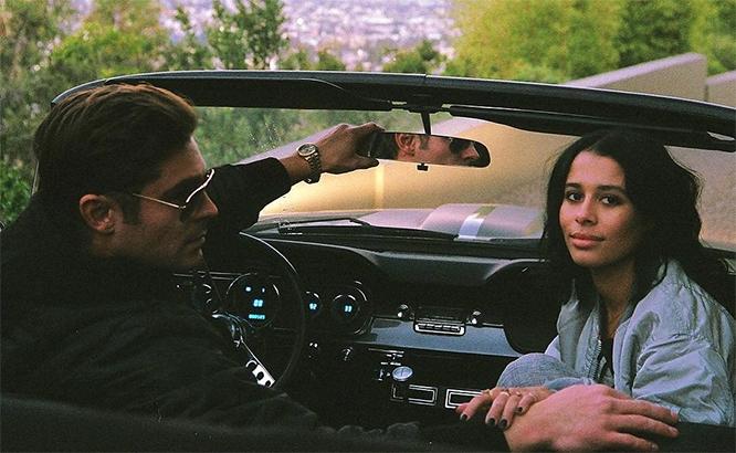 Поделился фото со своей девушкой – блогером Сэми Миро, с которой встречается с осени 2014 года.