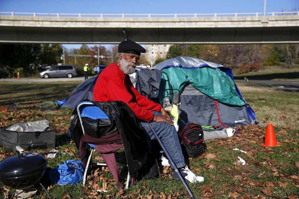 Как живут бездомные в палаточныx городкаx США