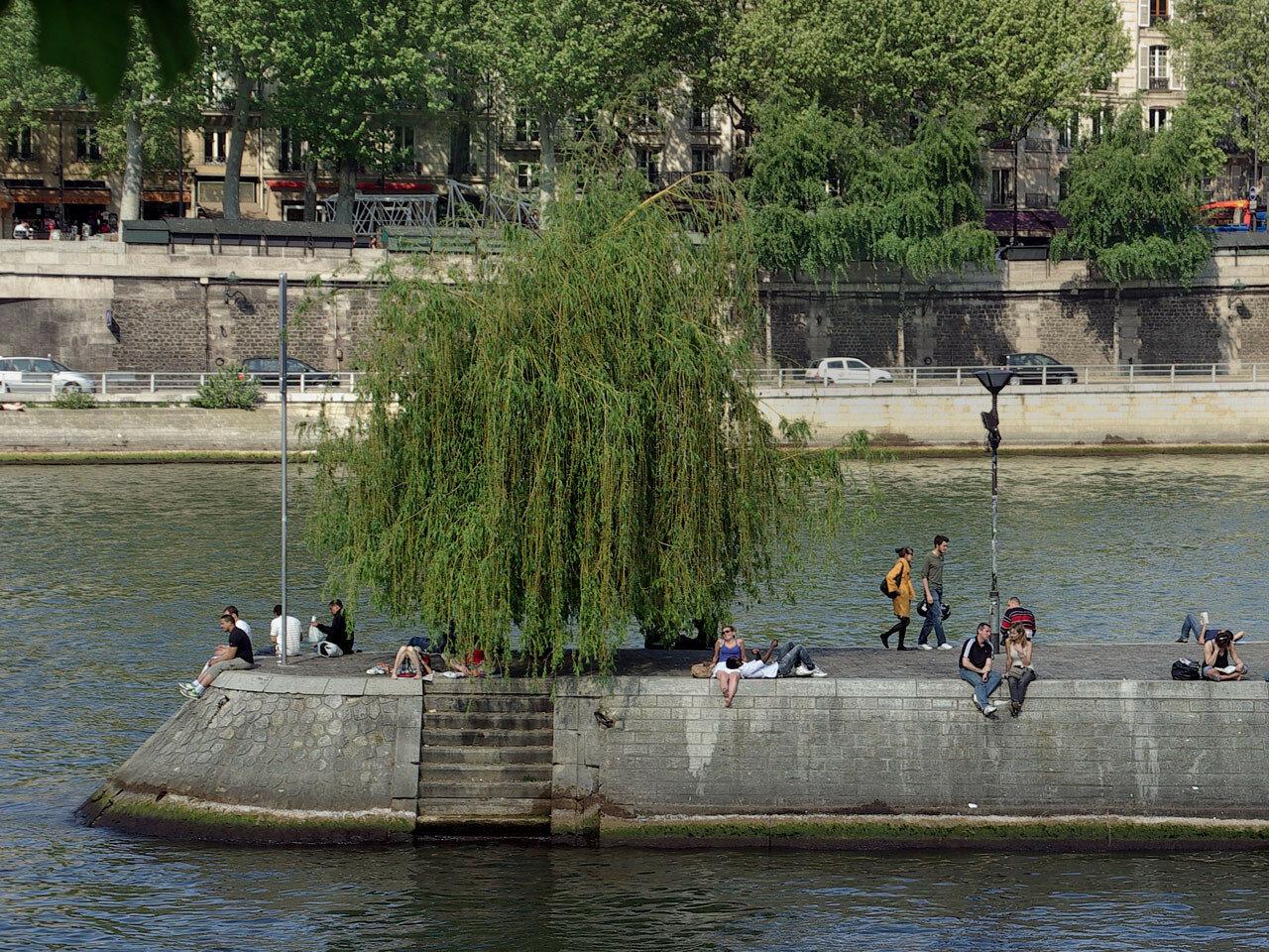 Парижская сиеста. Автор фото: Юрий Семенов