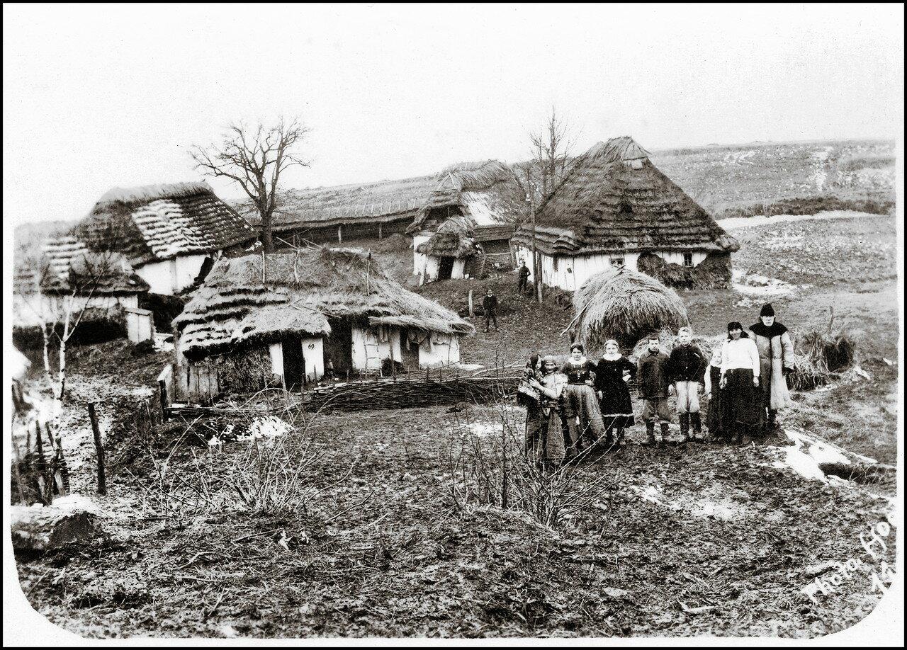 Хутор в районе Рогатина