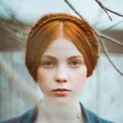 Девушка рыжая