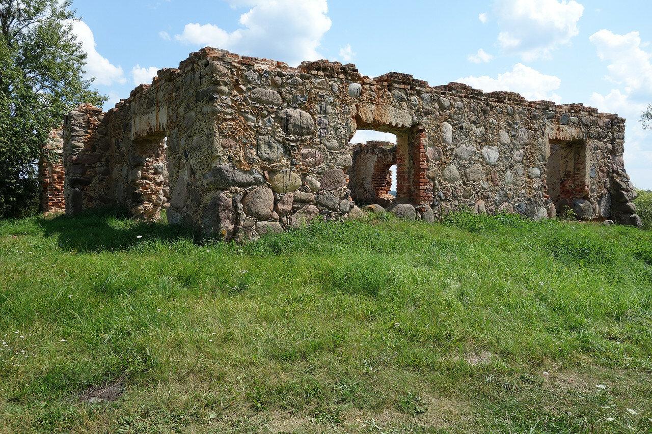 развалины замка у устья реки Свислочь